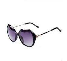 サングラス女子ハイビジョン偏光紫外線カット眼鏡サングラス エレガント大きいフレームダイヤモンド付きドライブ用